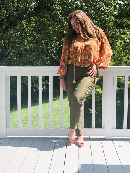Today my friends and I are featuring #Thursdaysbestfinds Featuring some of our favorite products!   @fashionablyfifty @classicstylebylisa_ @joyousstyling @gwenliveswell @lynnettiu @mymidlifestylist @overfiftyandblessed @distinctlysouthernstyle      So I am sharing my @sarah_flintnyc Natalie flats! The style the quality and comfort!#saraflint #walklikeawoman #flintfamily   The pointed toe is so flattering and timeless. Perfect for Sales Calls snd driving all day too!  Use code BA -JoyB for $50.00 off your first purchase.  Link also in bio. This gorgeous Autumn blouse is from @vici , I linked similar for you.  #LTKstyletip #LTKworkwear #LTKshoecrush
