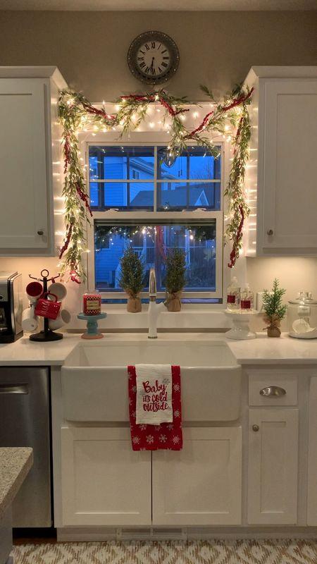 Twinkling garland sets the Christmas mood 🎄✨ http://liketk.it/32FcA #liketkit @liketoknow.it  #kitchendecor #modernfarmhouse #farmhousesink #kitchens #christmasdecor    #LTKstyletip #LTKhome #StayHomeWithLTK