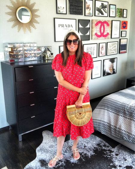 Red floral Top & MIDI Skirt ❤️❤️// http://liketk.it/3jNMd #liketkit @liketoknow.it