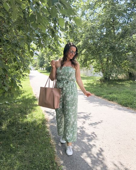 My floral jumpsuit is on sale! It's sooo comfortable too! http://liketk.it/2DSn4 @liketoknow.it #liketkit