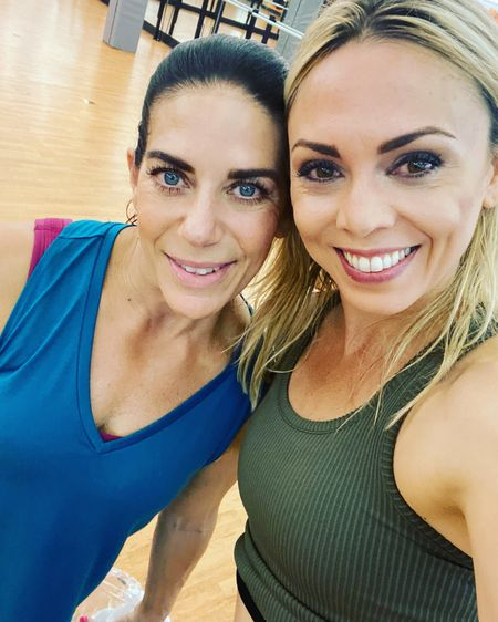 Simple looks for the gym 🙆🏼♀️🙆🏻♀️  Fitness lovers Simple fitness look  Gym look Amazon finds Old Navy active wear   #LTKbeauty #LTKfit #LTKunder50