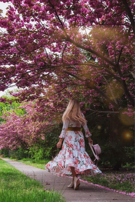 Nothing like a Spring Floral🌸🌸🌸 http://liketk.it/3fIyJ #liketkit @liketoknow.it #LTKunder100 #LTKstyletip #LTKsalealert #maxidress #floraldress #longdress #dress #feminine #girly