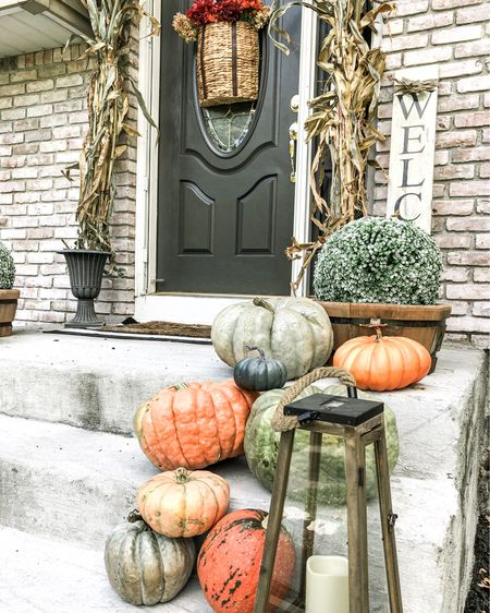 Fall front porch decor ideas. Head to my blog to see all the details    http://liketk.it/2XONu #liketkit @liketoknow.it   #StayHomeWithLTK #LTKhome #LTKunder100