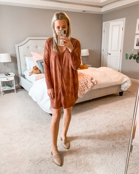 """Button-up rust colored dress. Comfortable and flowy. I'm 5'6"""" and this dress is on the shorter side but I still feel comfortable wearing it in mom life! http://liketk.it/2ZHwc #liketkit @liketoknow.it #LTKshoecrush #LTKunder100 #LTKbump"""