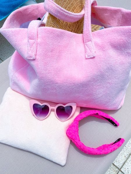 All pink everything from Stoney Clover, Lele Sadoughi and Lilly Pulitzer 💕  #LTKswim #LTKfamily #LTKtravel