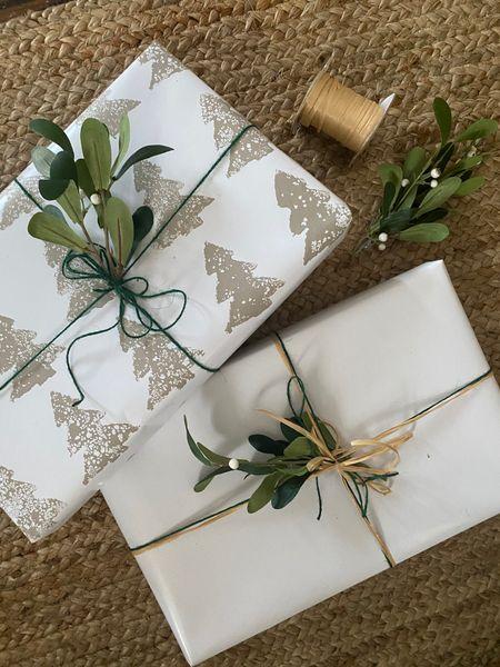 Easy DIY Wrapping paper! 🌲 http://liketk.it/33Vhy #liketkit @liketoknow.it #LTKgiftspo #LTKhome #LTKfamily @liketoknow.it.home @liketoknow.it.family