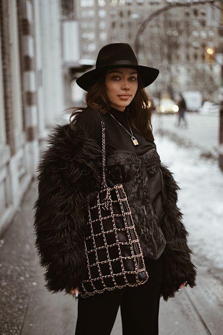 All black is my uniform 🖤 http://liketk.it/2Jki5 #liketkit @liketoknow.it