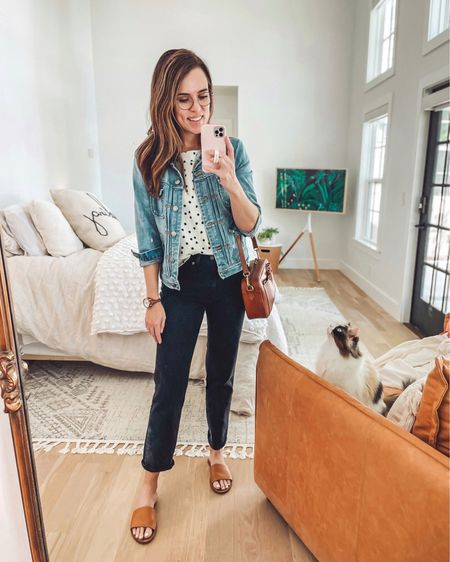 """Jeans fit TTS but I got them in petite for a cropped look since I'm 5'8"""". Top is SO dang soft, and I could still find it in plus size.   http://liketk.it/3fbjP #liketkit @liketoknow.it"""