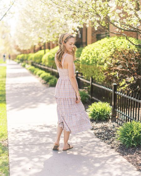 http://liketk.it/3gOVE #liketkit @liketoknow.it   Size down in this dress!