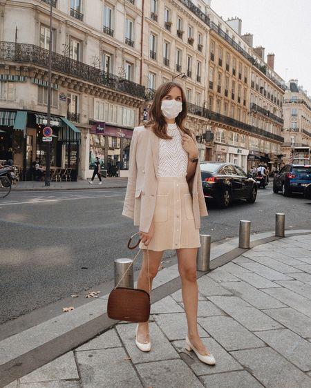 { Smiling with the eyes ☺️ Séjour marathon à Paris (pour le fameux projet encore secret dont je parle très vite, promis 💌) J'ai tellement marché hier que j'ai des courbatures comme si j'avais couru un marathon aujourd'hui 🤣  Ce week-end ce sera repos & cocooning ! J'ai des cadres à accrocher et quelques petites missions déco à mener à l'appart 🙏🏻🍁☕️ Et vous, quel est le programme de votre côté ? Détails de ce look via le lien dans ma bio 💛  #DaphnesOutfits #parisianstyle #maje #majestories #frenchstyle #repetto }  http://liketk.it/2ZY8W #liketkit @liketoknow.it