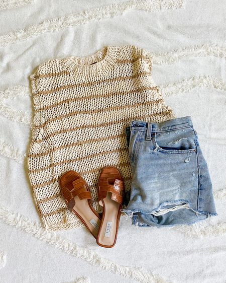 Summer outfit, neutral outfits, woven top, free people, beach vacation packing list, cut off denim shorts http://liketk.it/2SVWt #liketkit @liketoknow.it #LTKtravel #LTKshoecrush #rStheCon