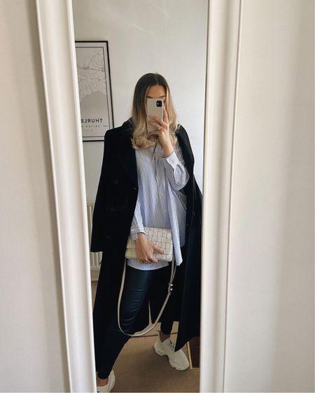 Ootd, mirror selfie, mirror outfit, outfit inspiration, chic fashion, black coat, shirt, zara http://liketk.it/3hOyT #liketkit @liketoknow.it