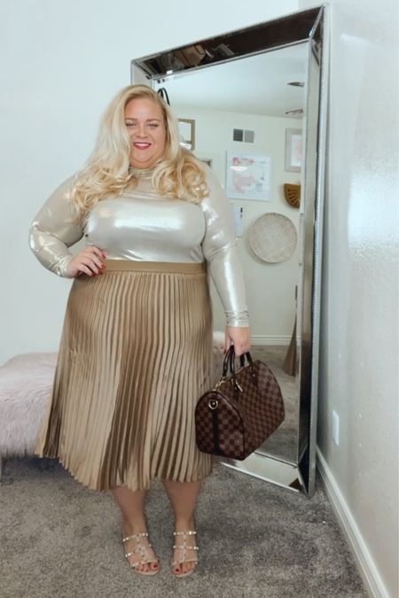 New monochrome workwear looks are on the blog featuring this stunning & affordable skirt that comes in a bunch of colors! #LTKcurves #LTKstyletip #LTKunder50 http://liketk.it/35tgW #liketkit @liketoknow.it