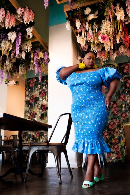 Chicago's Brunch scene is unmatched and so is Never Fully Dressed! I've linked beautiful dresses to add to your brunch attire. http://liketk.it/3heUU #liketkit @liketoknow.it #LTKcurves #LTKbeauty #LTKfit Shop my daily looks by following me on the LIKEtoKNOW.it shopping app
