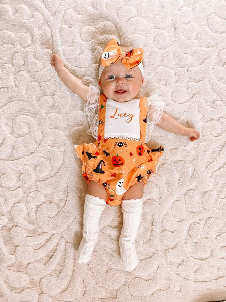 Lucy Lou is so happy that her first Halloween is coming up 😍🎃 how adorable is this romper?! It's from @itstheaspiringcrafter & linked on my LTK 🧡 #lucylaurel . . .   #LTKkids #LTKbaby