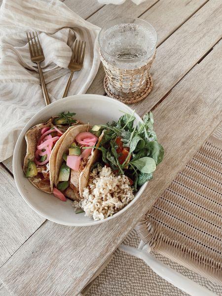 Melamine dinner bowls, great for outdoor dining. Target find //     #LTKhome