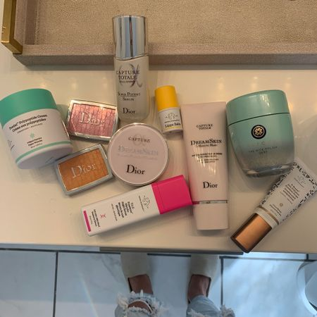 New skincare must haves for winter     Download the LIKEtoKNOW.it shopping app to shop this pic via screenshot http://liketk.it/2WEW6 #liketkit @liketoknow.it #LTKunder100 #LTKunder50 #LTKbeauty