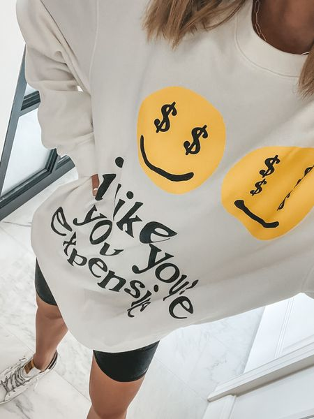 Super cute graphic sweatshirt. Sized up for an oversized fit