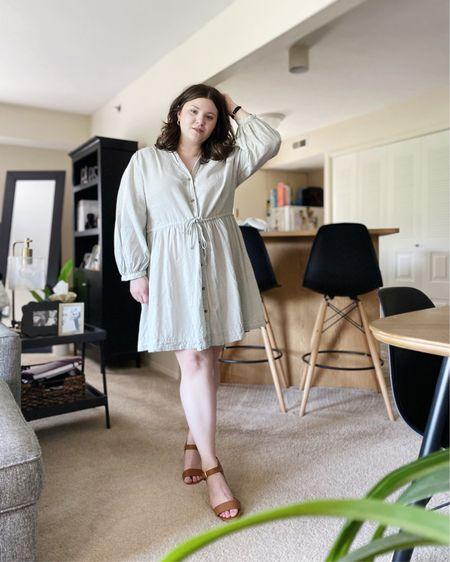 Linen dress.   Shop my look and similar items at thefellowfashionista.com or the @liketoknow.it app. Sizing details on my blog.    http://liketk.it/3k3aH    #liketkit   #LTKstyletip     #LTKunder50   #LTKunder100