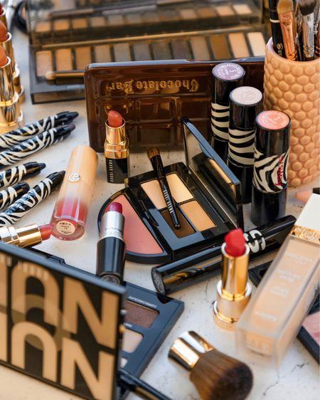 Kiss kiss 💕 Blush Blush 🌸 beauty favourites letting February slip away!!  Shop makeup favourites with a screenshot >> @liketoknow.it http://liketk.it/2KVPc #liketkit @liketoknow.it.europe #LTKeurope #LTKbeauty