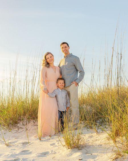 Beach style photoshoot ~ Family Photos 🏖   #LTKunder100 #LTKfamily #LTKkids @liketoknow.it @liketoknow.it.family #liketkit http://liketk.it/2UHsF