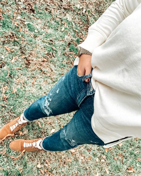Cozy vibes. #LTKstyletip #LTKFall #liketkit @liketoknow.it http://liketk.it/322JC Shop your screenshot of this pic with the LIKEtoKNOW.it shopping app