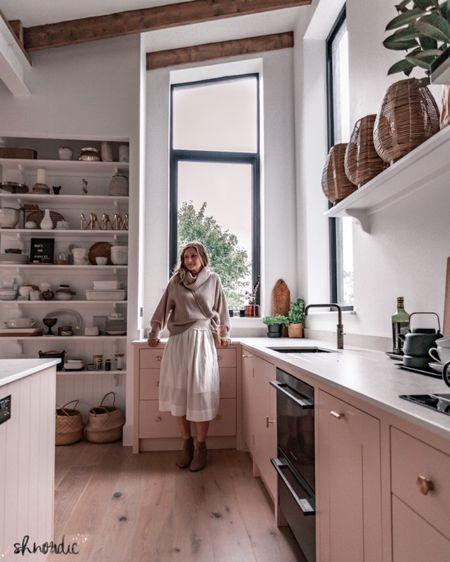 Saturday kitchen view http://liketk.it/2VXc1 #liketkit @liketoknow.it #LTKeurope #LTKhome #StayHomeWithLTK @liketoknow.it.europe @liketoknow.it.home   : . . .: #kitchen #kitchendesign #kitchenextension #kitchenisland #monochromehome #neutralhomedecor #hyggehome #nordichome #scandinaviandesign #renovation #houseextension #renovationproject #cornerofmyhome #mynordicroom #howihome #housetour #interiordesign #interior #hincharmy #openplan #openplanliving #apartmenttherapy #kitchensofinstagram #kitchensofinsta #marblecountertops #quartz