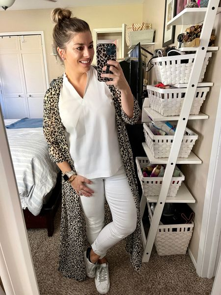 A good kimono and a quality pair of denim will make anything fninstantly better. Still obsessed with this leopard kimono from @cmcoving & @pinklily.   #LTKunder50 #LTKstyletip #LTKworkwear