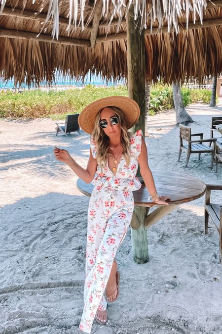 Paradise Found 🌴 Only thing missing is a drink in hand! What cocktail belongs in this photo!?🍹   http://liketk.it/3f37H @liketoknow.it #liketkit #LTKtravel #LTKstyletip #LTKswim