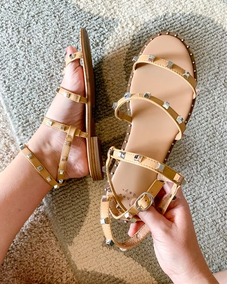 These sandals are SO comfy & cute! http://liketk.it/3h8bs #liketkit @liketoknow.it