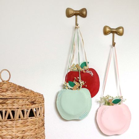Meet-N-Greet apple basket craft kits. Mini Maker Design Co   #LTKfamily #LTKkids #LTKSeasonal