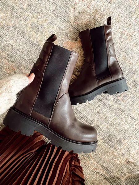 Fall boots and skirt     #LTKSeasonal #LTKstyletip #LTKshoecrush