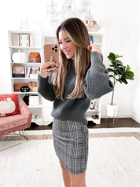 Sweater small Plaid skirt  small