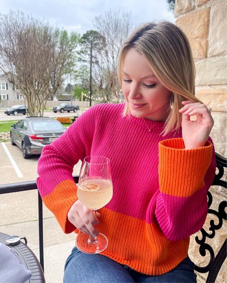 Wishing you warm patio weather and a nice chilled cocktail for the weekend ☀️. • I'm a spring/summer sweater gal, even when it gets hot and this colorblock sweater is lightweight enough to wear with cut off jean shorts and a cute sneaker! •  http://liketk.it/3bpPJ @liketoknow.it  •  #liketkit #LTKstyletip