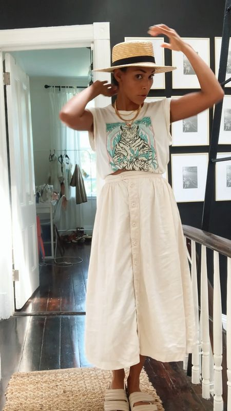 Easy summer outfit, graphic T-shirt   #LTKunder50 #LTKstyletip #LTKtravel