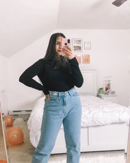 Obsessed with my new pair of mom jeans from Missguided they were on sale for only $19! #LTKsalealert #LTKstyletip #LTKunder50 #liketkit @liketoknow.it http://liketk.it/3cRTM  ————— Shop your screenshot of this pic with the LIKEtoKNOW.it shopping app