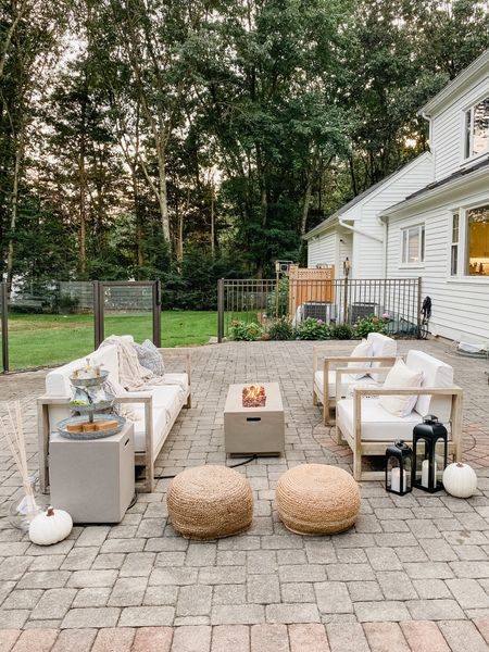 What's your favorite Halloween movie? It's Hocus Pocus for me 🧙♀️ Gave this space a little fall update! @walmart #ad #walmarthome Some neutral tones and mix of textures make it the perfect spot for outdoor movies and s'mores! Linking everything here for a cozy outdoor space! 😍
