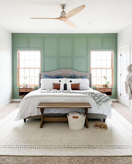 Neutral master bedroom decor inspo.