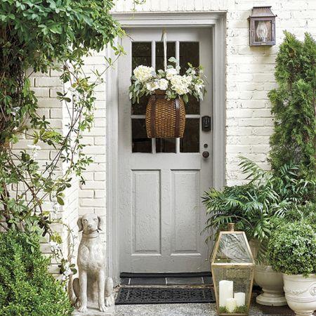 Front door wreath! Basket wreath! Ballard Designs #entry #frontporch