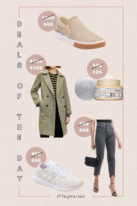 Daily deals, deals of the day, peacoat, fall wreath, Kirkland's, faded black jeans, leopard sneakers   #LTKunder50 #LTKunder100 #LTKsalealert