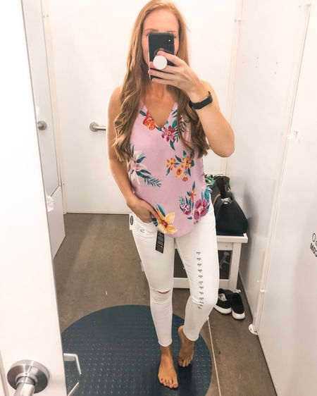 White jeans are a must for summer!  -  http://liketk.it/2BJlk #liketkit @liketoknow.it Shop your screenshot of this pic with the LIKEtoKNOW.it app #LTKunder50 #LTKspring #LTKstyletip #LTKunder100  #oldnavy