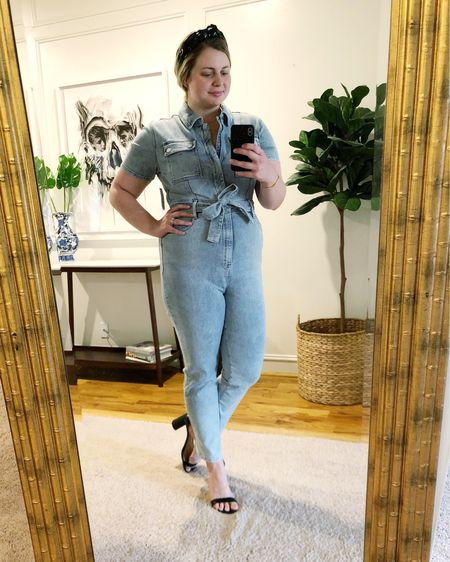 Having a little bit of a denim moment lately! Obsessed with this jumpsuit and so glad I snagged one yesterday. It looks like regular sizing is currently sold out, but there were plenty in my store yesterday and plus is still available online! I've linked both at the link in my bio. Happy Friday ✨ http://liketk.it/3jS99 #liketkit @liketoknow.it