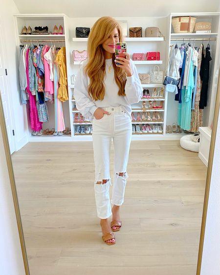 #LTKDay  sale on this cozy sweatshirt and these jeans. Wear both so much!  Xs in swtshirt Normal size, regular length in the jeans http://liketk.it/3hmsS #liketkit @liketoknow.it #LTKshoecrush #LTKsalealert