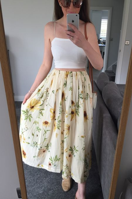Summer outfit, summer trends, summer 2021, H&M floral dress, H&M floral skirt, H&M floral maxi dress, yellow, yellow jumper, knitwear, spring knitwear, spring transition outfit, H&M, H&M jumper, H&M jeans, knitwear outfit, joggers outfit, lilac outfit, lilac joggers, Lee jeans, Lee H&M floral skirt, floral dress http://liketk.it/3eray #liketkit @liketoknow.it @liketoknow.it.europe #LTKeurope #LTKstyletip #LTKunder50