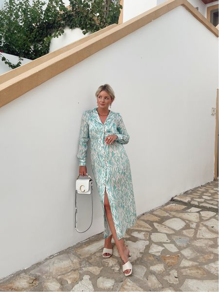 Holiday evening outfit - gorgeous dress, would be lovely for a wedding