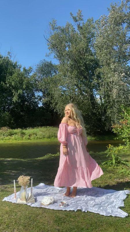 Hello Molly dresses — code VICKIDIGNARD saves you $$$!   #LTKunder100 #LTKSeasonal