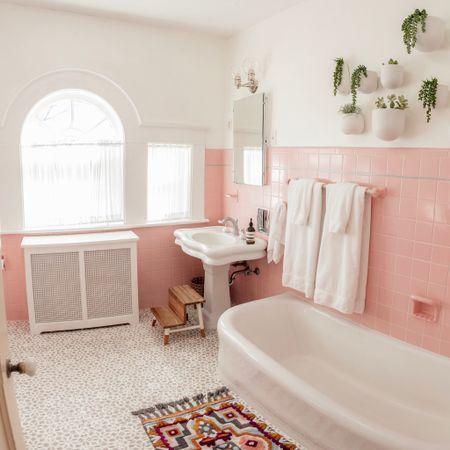 Pink bathroom links! #liketkit http://liketk.it/2AdW7  @liketoknow.it