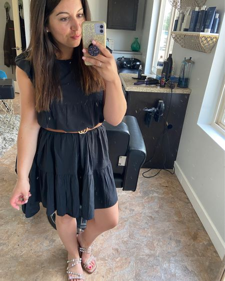 That one time I ran out of windex in my studio 😂😂😂 oh weeeellll... you all need these shoes 💁🏻♀️ absolutely obsessed and so is everyone I've ran into so here ya go... this dress is one of those Amazon finds too so talk about affordable 😜😜😜 i belted it up but you totally don't have to! Anyways, HAPPY THURSDAY YALL!! ♥️♥️ I've got a day full of work, all over the place but I'm not mad about it because we're headed to swim after 😎 what are your weekend plans?! Anything fun locally?? http://liketk.it/3hNY3 #liketkit @liketoknow.it #LTKstyletip #LTKshoecrush #LTKunder100 @liketoknow.it.brasil @liketoknow.it.europe @liketoknow.it.family @liketoknow.it.home Shop your screenshot of this pic with the LIKEtoKNOW.it shopping app Shop my daily looks by following me on the LIKEtoKNOW.it shopping app h