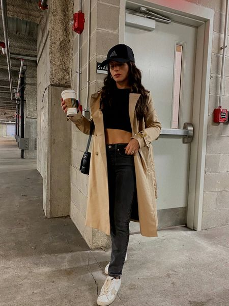 TRENCH: xs LEVIS: size up 1 GG SNEAKERS: 37 (I'm a 6.5-7) TOP: xs
