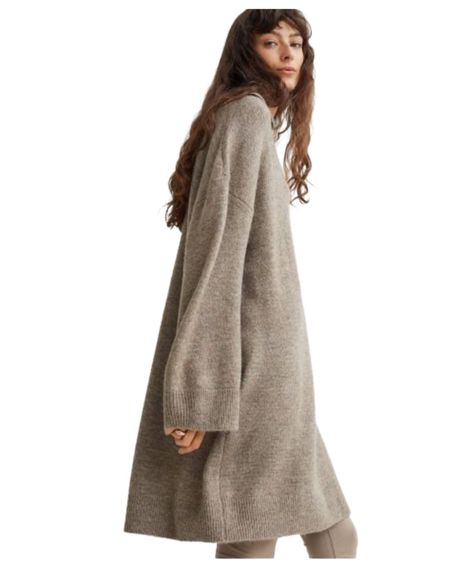 This dress is perfect. It would be so cute with tights and tall boots! Love an oversized sweater dress with personality. #hm  #LTKunder50 #LTKHoliday